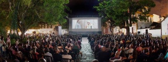Mostra de Cinema de Tiradentes - Cinema ao Ar Livre