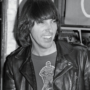 o-guitarrista-johnny-ramone-1362183612742_300x300